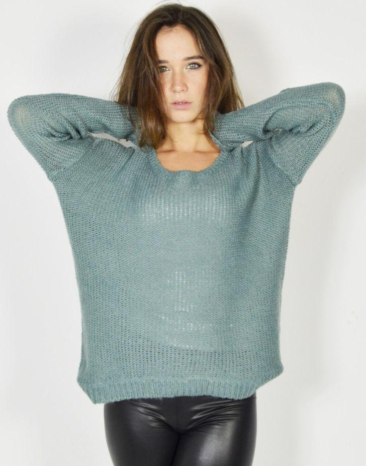Suéter de punto calado y corte oversize con diseño holgado para chica joven. #Sueter #Sueterdepunto #Puntocalado #Modaonline #Tiendaonline #Modajoven #Tiendas13 http://tiendas13.com/punto/2860-sueter-punto-calado.html