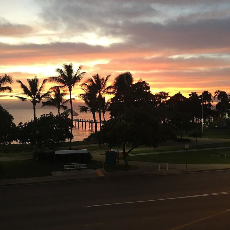 Golden Pink sunrise this morning ..I am grateful to be alive @Townsville
