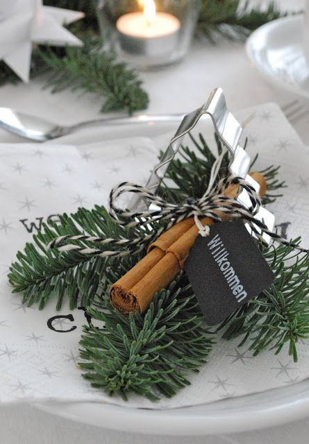 die besten 17 ideen zu weihnachtliche tischdekoration auf pinterest weihnachtsessen tische. Black Bedroom Furniture Sets. Home Design Ideas