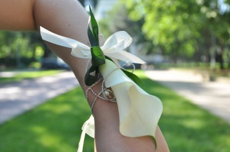 #Corsaj pentru dame din #calla #online cu #livrare in #Chișinău, #Moldova. #floristics #boutonniere #wedding