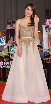 Linda Chung won my vote for best dressed in this Barney Cheng design worth 131,000 HKD.