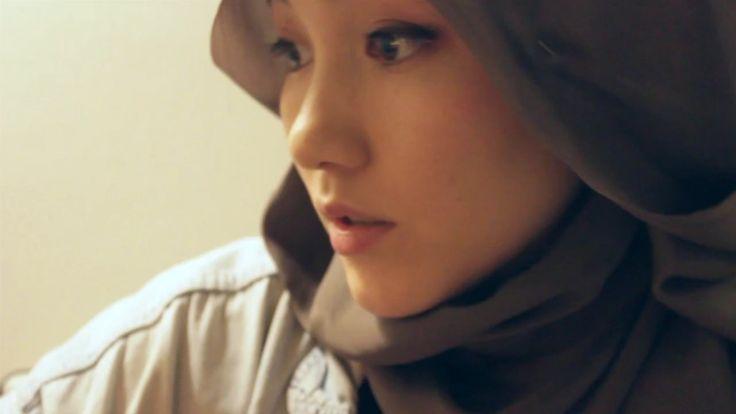 Hana Tajima's ALL IN LIGHT hijab tutorial