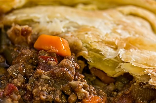 Mejores 198 imgenes de food cooking articles recipes en pinterest craving for some ground beef recipe this crockpot chinese pie will surely satisfy your palate forumfinder Images