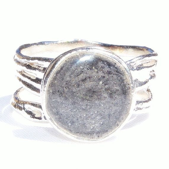 Textured Band Cremation Ring with 10mm Circle Setting by CloseByMe