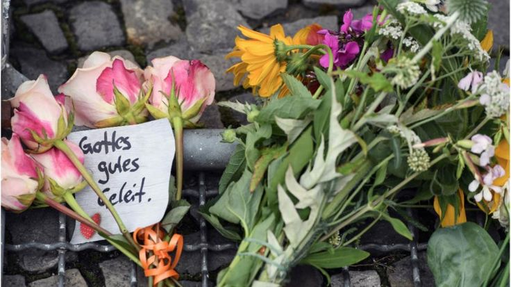 Berliner Bezirksamt bestätigt | Drei Berliner unter den Toten von Nizza - Auswärtiges Amt: Eine Deutsche unter den Verletzten - News Ausland - Bild.de