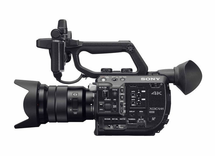 """Filippo Chiesa presenta le potenzialita' dell'opzione RAW per Sony PXW-FS5 che in combinazione con dei registratori esterni come l'Odyssey 7Q+ della Convergent Design o lo Shogun della Atomos(con il prossimo aggiornamento raw), rendono la""""piccola"""" di casa Sony una vera e propria""""macchina da cinema""""."""