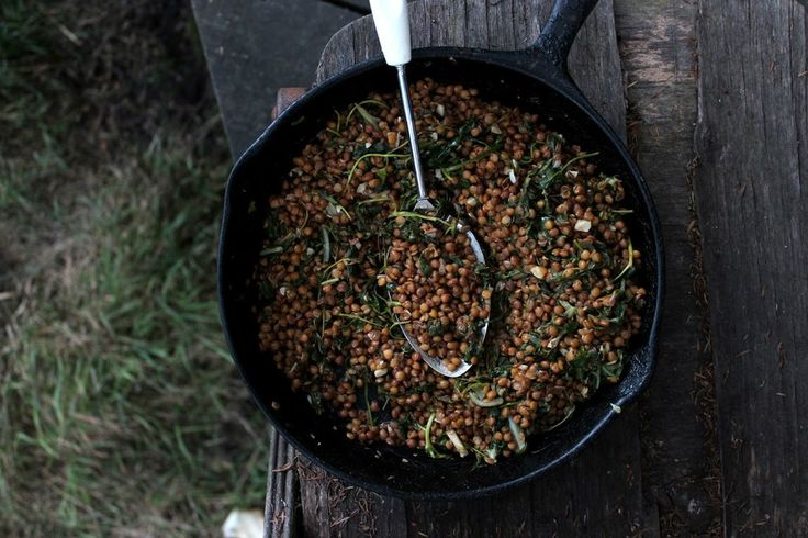 BUTTERED BALSAMIC LENTILS WITH SPINACH AND GARLIC