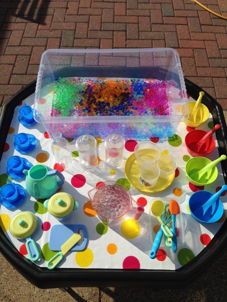 Water Bead fun tuff tray