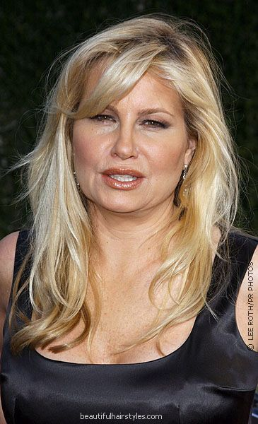 Jennifer Coolidge in Long and Slightly Messy Hairstyle with Light Layering - Beautiful Hairstyles