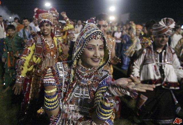 3/12 to 3/17: Holi Hindu festival    2008-10-3-12-36-19-36f0436cedd647d5b82d68a4acc57660 ...