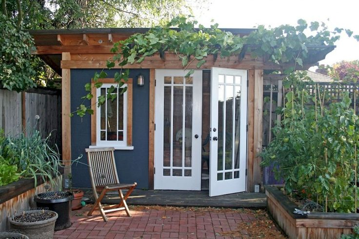 Incredible and cozy backyard studio shed design ideas (40)