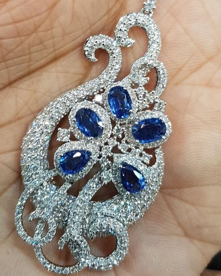 Light up the room with this stunning sapphire pendant paired with the sparkle of brilliant white diamonds by Aksharchoudreefinejewellery  . . . . . #acfj #jotd #stunning #beautiful #sophisticated #couture #creative #elegance #luxurious #sapphire #brilliant #white  #diamonds #finejewellery #opulent #breathtaking #top#topquality #sparkle #precious #gems #Impressive #bespoke #accessory #hongkong #dubai
