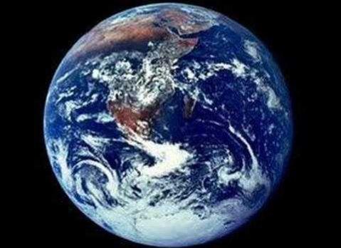 Ученые: Пришельцы считают людей глупцами, создав экран вокруг Земли http://actualnews.org/nauka/176046-uchenye-prishelcy-schitayut-lyudey-glupcami-sozdav-ekran-vokrug-zemli.html  Ученые полагают, что Земля находится внутри энергетического кокона размером с Галактику, из-за чего контакт с другими цивилизациями, находящимися в космосе, невозможен. Наблюдая за человечеством, инопланетяне не спешат вступать в контакт из-за потенциальной опасности землян.