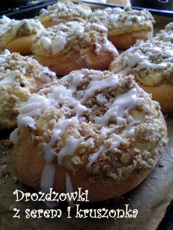 Drożdżówki z serem i kruszonką PRZEPIS