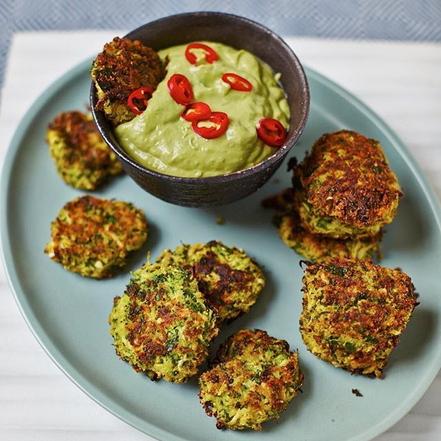 Baked #BroccoliFritters and #Spicy #AvocadoDip
