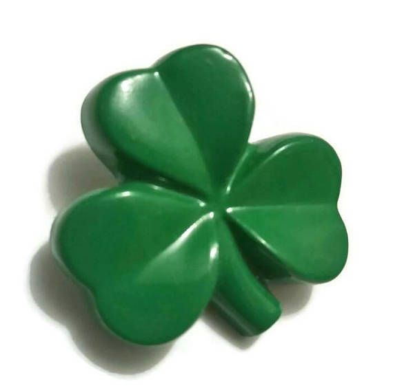 Check out this item in my Etsy shop https://www.etsy.com/ca/listing/597265071/vintage-shamrock-brooch-green-3-leaf