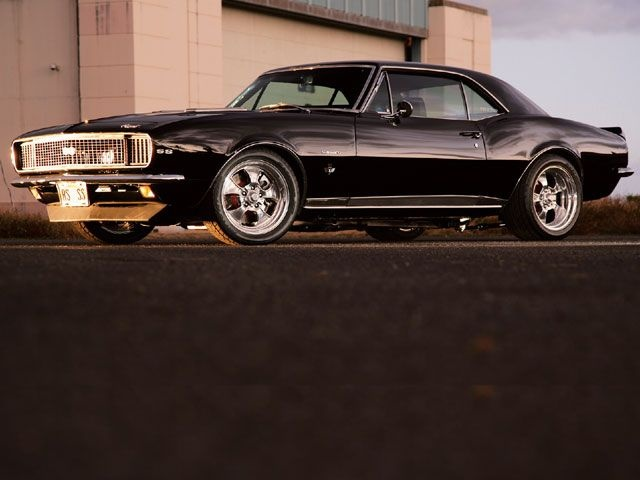 I <3 Muscle Cars.  MY Favorite color is CHROME!!!