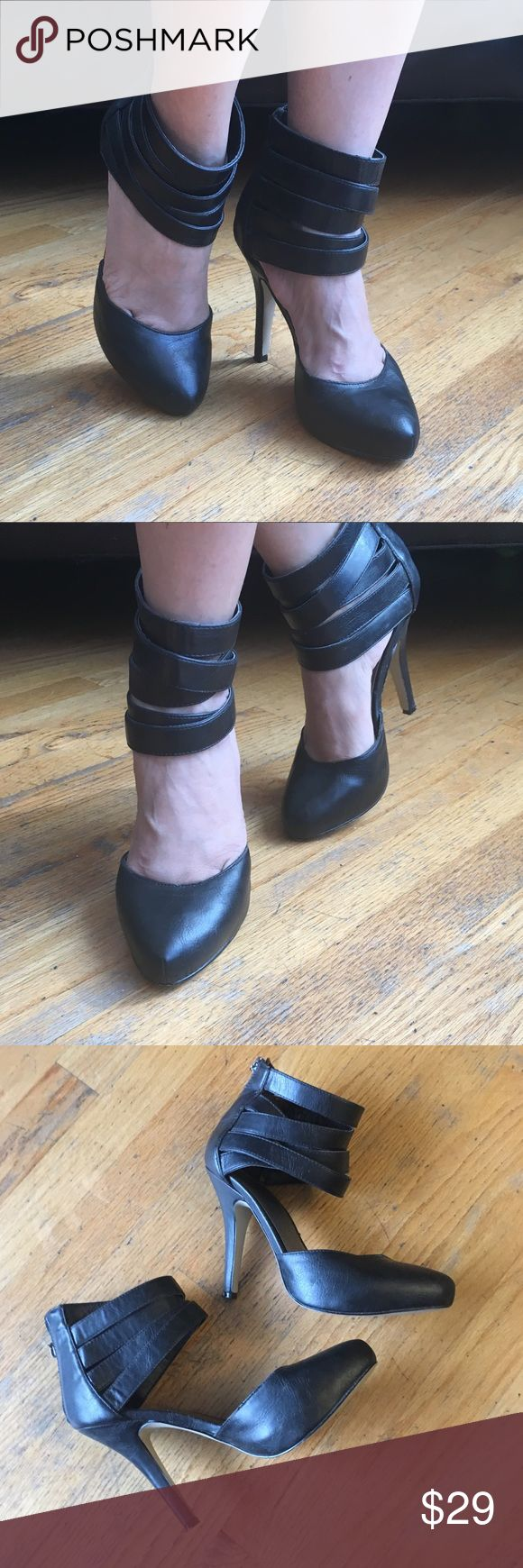 """Guess Heels Super Cute Heels. With zipper back. In good condition.Heels height approx """"4 1/2"""" in. Size 7 1/2M. Guess Shoes Heels"""