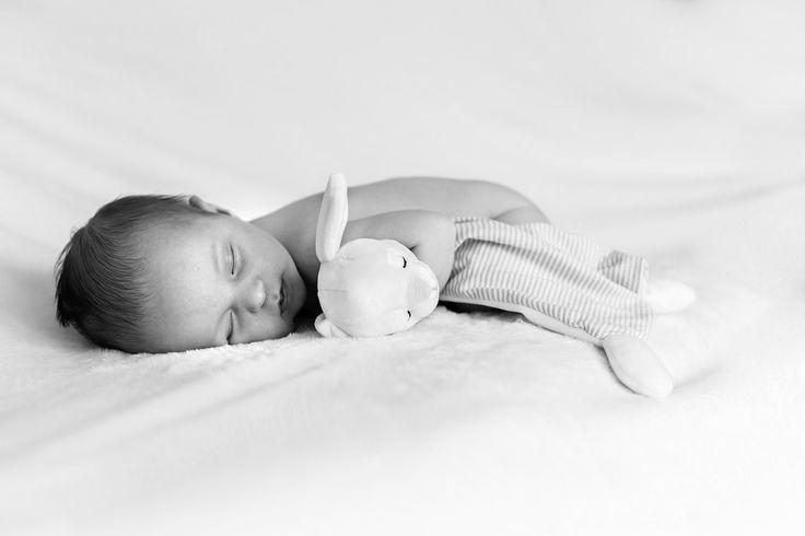 Newborn photography birmingham west midlands uk mother newborn baby
