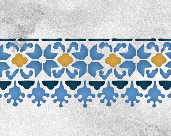 3063 blumigen FWZ Grenze Schablone Tatsächliche Design Größe: 20,25 w x 4,75 h, wiederverwendbaren 10 Mil Mylar  Diese Sammlung von marokkanischen allover Schablonen, Grenze Schablonen und Motiv Schablonen wurde erstellt für und inspiriert von drei separaten Gemälde Reisen, dass Melanie Royals führte nach Marrakesch, Marokko. Dort verwendet Kleingruppen von dekorativen Handwerker Schablonen erstellen Sie elegante Innere Behandlung auf Wände, Böden, Stoff, und decken bei Peacock Pavillons…