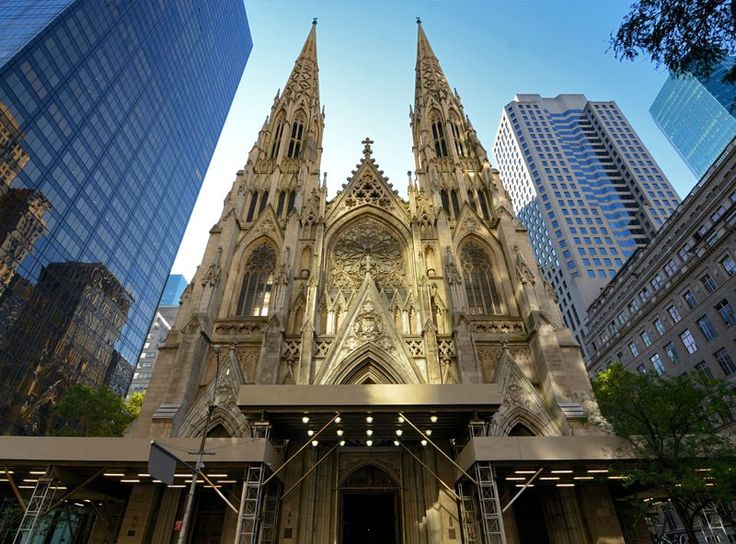 Exterior of st patrick 39 s cathedral in new york top 10 for Top 10 tourist attractions in nyc
