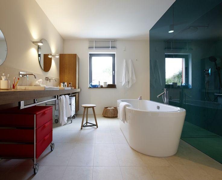 Großzügiges Badezimmer Sandstein, 49er und Hersteller - badezimmer schöner wohnen