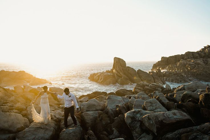 Jenna   Rhys: Wedding Fun With a Moment of Tranquility -White Mag