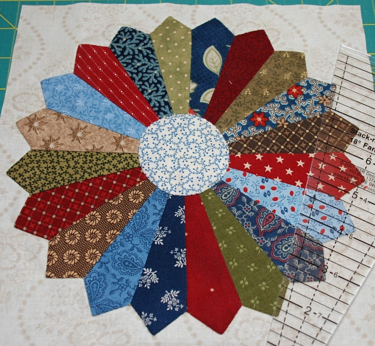 1000 Images About Quilt Dresden Plates On Pinterest