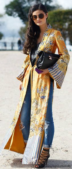 Bohemian Street Style... Some pieces like the bag and the shoes are ok to me but the entire look it is too much for me