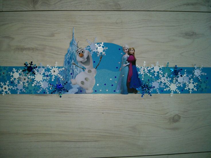 Hoedenstrook verjaardag Frozen. Losse onderdelen gemaakt met stansapparaat.