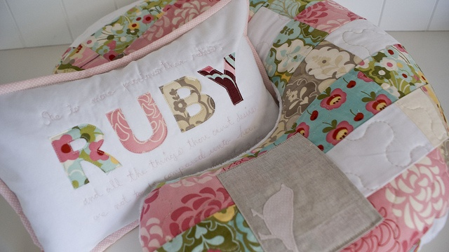 SO CUTE! I love these!Crafty Baby, Pillows Ideas, Baby Baby Baby, Quilt Boppy, Baby Things, Sewing Ideas, Boppy Covers, Babies Things, Babiess Things