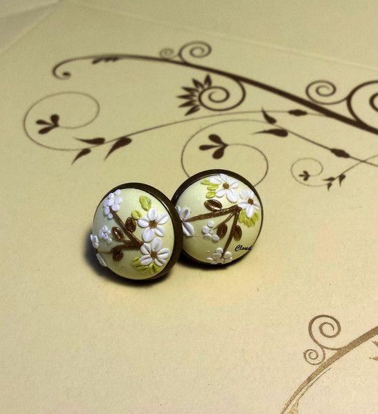 Orecchini bottoncino floreali di Cloud Jewelry su DaWanda.com