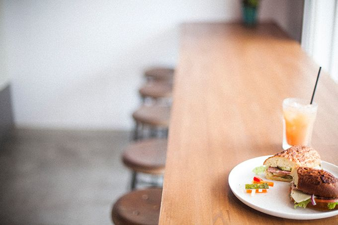 葉山森戸海岸に「ダブルサンドイッチ」 - サンデージャムのW factoryプロデュースの写真1