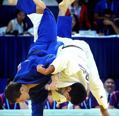 Slovakia's Arpad Szakacs fights Greece's Alexios Ntanatsidis in the boys' 81kg judo match of the Singapore 2010 Youth Olympic Games (YOG) at the Singapore International Convention Centre, Aug 22, 2010.  Slovakia's Szakacs won the bronze. Photo: SPH-SYOGOC/Lim Sin Thai