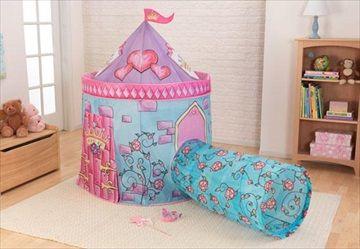 KIDKRAFT Slott Telt 'Castle Tent with Tunnel in Pink'. Det er så gøy å late som du er på jakt etter skatter eller styre over din egen rike. Med dette Slott Teltet med Tunnel fra Kidkraft, kan unge jenter gå på alle slags morsomme opplevelser uten å forlate huset. Kr 799