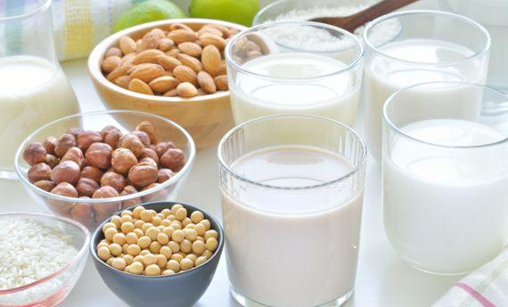 Latti vegetali, tutti i tipi con cui potete sostituire il latte vaccino | 100% green kitchen