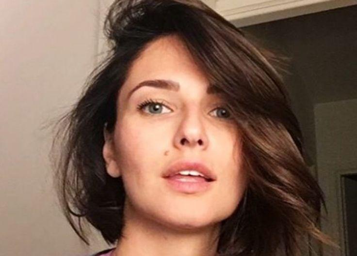 Anna Safroncik ci dà un taglio  https://www.vanityfair.it/beauty/beauty-star/2017/04/13/anna-safroncik-nuovo-taglio-capelli-instagram