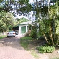 Cathy's Cove is a lovely self-catering holiday home at Shelly Beach on the KZN South Coast, South Africa. Large garden, Pet Friendly and sleeps up to 10 adults.