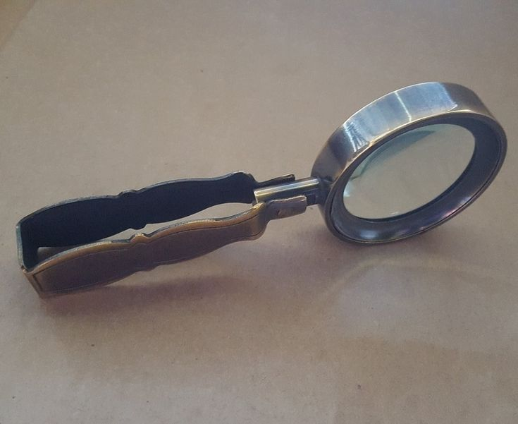 Magnifier - VINTAGE TRAVEL - Brass & Glass