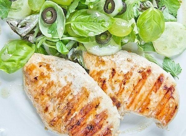 Kurczak w miodzie na grilla - Wasze przepis, autor Zuzanna Uramek #kurczak #grill #przepis #miód #sałata #grillowanie #pieczenie #gotowanie #kulinarne #smaczne #zdjęcia #pomysły #dietetyczne #barbecue