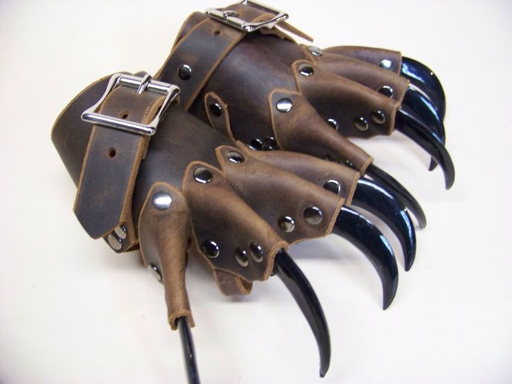 Steampunk Tendencies   Clawed gloves ~ strongholdleather http://www.steampunktendencies.com/post/77186472548/ New Group : Come to share, promote your art, your event, meet new people, crafters, artists, performers... https://www.facebook.com/groups/steampunktendencies