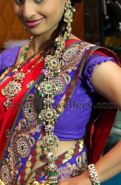 Rich Kundan Floral Jada and Earrings | Jewellery Designs