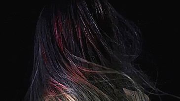 The World's First Colour-Changing Hair Dye That Reacts To Your Surroundings | Bored Panda http://www.boredpanda.com/color-changing-hair-dye-the-unseen/?utm_source=facebook&utm_medium=link&utm_campaign=BPFacebook