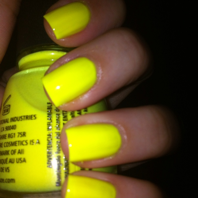 Itsy Bitsy Teenie Weenie Yellow Polkadot Bikini bersetzung