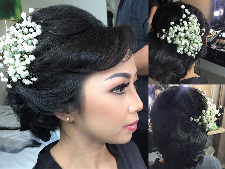 """23 Likes, 1 Comments - Make up artist Rtdisoho (@keziafelaniartdisoho) on Instagram: """". MAKE UP AND HAIR DO by@rtdisohophotography. . ::RTDI Soho for :: Prewedding Wedding Fashion…"""""""
