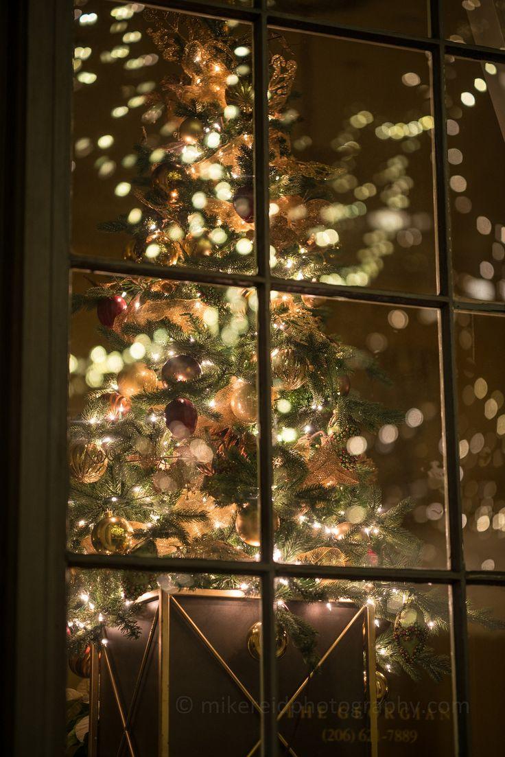 Fairmont Georgia Room Christmas Window Holiday Photography| by www.mikereidphotography.com