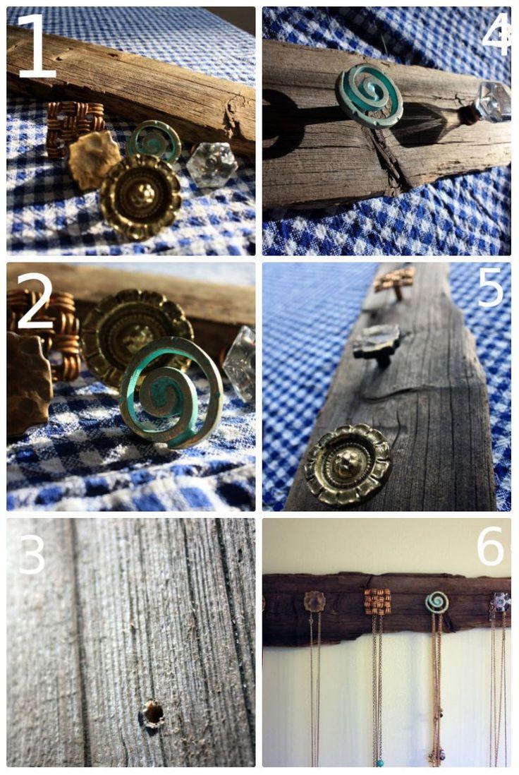 Gantungan Kalung. Manfaatkan papan bekas yang tidak terpakai untuk membuat gantungan kalung sederhana ini. Kamu hanya membutuhkan papan, kenop pintu bekas, alat untuk melubangi dan voila! Gantungan kayu ini bisa digunakan