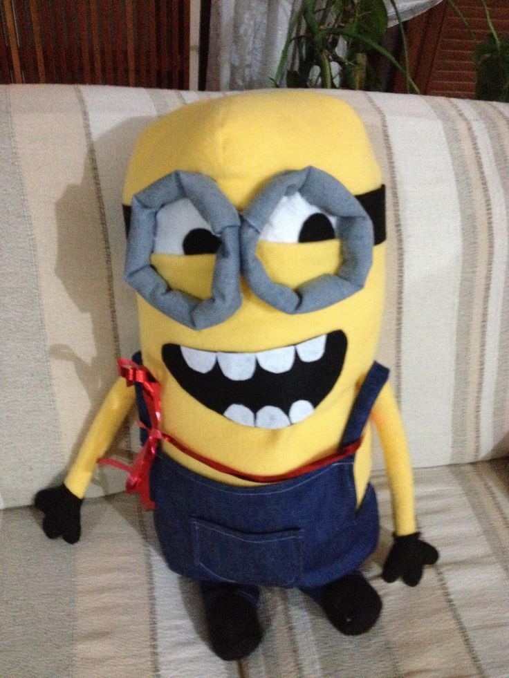 DIY Minion plushie Minion doll   Link here http://www.usefuldiy.com/diy-minion-dolls/