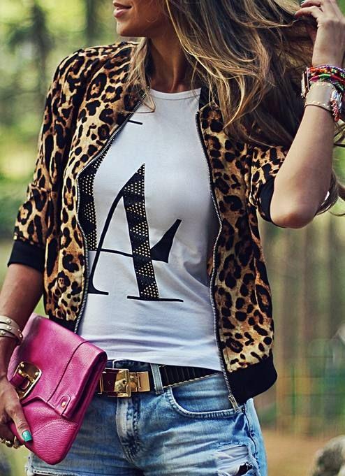 That jacket & such a cute look! Sheinside Leopard Stand Collar Zipper Jacket