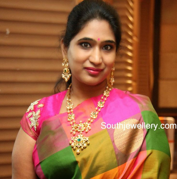 Socialite in two line south sea pearls haram with pacchi work uncut diamond motifs and pacchi pendant teamed with matching long earrings. Related PostsDiamond Pendant and Jhumkas SetTamanna in Diamond Necklace SetCelebrity in Pachi Necklace SetAntique Gold Necklace with Kundan PendantArchana in Diamond Necklace SetPriya in Manepally Dhanteras Collection